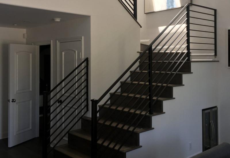 minimalis-tangga-rumah-bogor