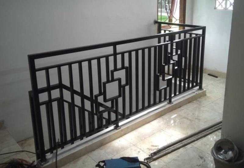 tukang las tangga rumah bogor