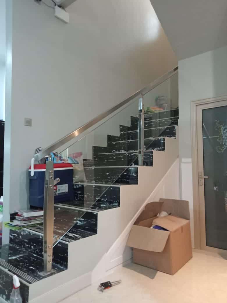 railing tangga stainless terbaru